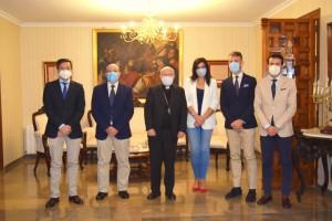 El Obispo de Jaén recibe a la Cofradía de los Estudiantes
